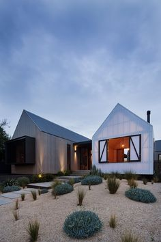 This contemporary single family seaview house designed by Jackson Clements Burrows is located in Victoria, Australia.