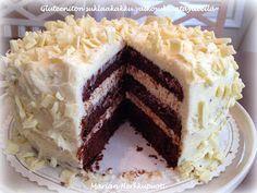 Aina välillä kaipaillaan gluteenitonta suklaakakkua ja päätin kokeilla tällä kertaa jotain uutta. Suklainen pohja on muunnos paholaisenkakk...