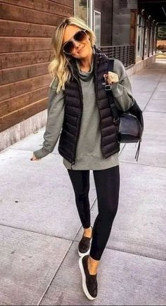 casual outfits for winter comfy \ casual outfits . casual outfits for winter . casual outfits for work . casual outfits for women . casual outfits for school . casual outfits for winter comfy Casual Winter Outfits, Winter Fashion Outfits, Casual Fall Outfits, Look Fashion, Autumn Winter Fashion, Outfits With Vests, Winter Outfits Women, Fashion Dresses, Casual Winter Style