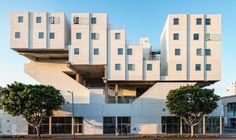 Michael Maltzan Architecture . star apartments . los angeles (2)