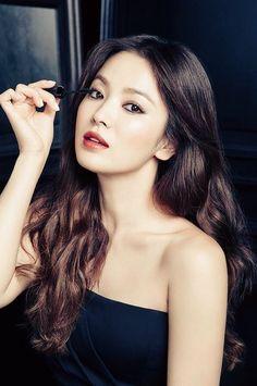 Song hye kyo for Laneige Song Hye Kyo, Korean Beauty, Asian Beauty, Kim Na Hee, Provocateur, Korean Celebrities, Beautiful Asian Women, Korean Actresses, Mannequins