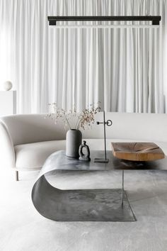 Find your favorite Minimalist living room photos here. Browse through images of inspiring Minimalist living room design ideas to create your perfect home. Interior Modern, Interior Design Trends, Interior Design Minimalist, Minimalist Home Decor, Contemporary Interior Design, Contemporary Furniture, Interior Ideas, Modern Decor, Minimalist Kitchen