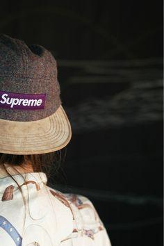 54c8de21775 cool Supreme hats Cap Outfits For Women