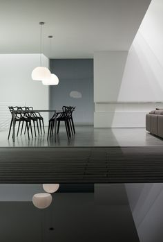 Masters chair by Philippe Starck + Eugeni Quitllet | Let's embrace minimalism