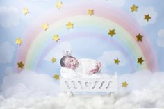 I love natural newborn photos the best but this is flippin' cute - TLS