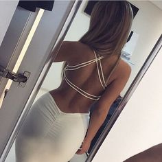 Becoming S-curvish... For the backless dress @nicolekhalil