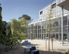 Cool Benches- New wing of the Charleroi Museum of Photography / L'Escaut Architectures