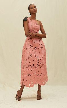 Tea Length Dresses, Day Dresses, Lace Dress, Dress Up, High Fashion, Womens Fashion, Fashion Details, Fashion Design, Classy Outfits
