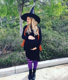10 Halloween Costumes for Pregnant Women: #5. SPOOKY WITCH Cute Witch Costume, Spooky Halloween Costumes, Pregnant Halloween Costumes, Witch Costumes, Pop Culture Halloween Costume, Maternity Halloween, Women Halloween, Woman Costumes, Halloween 2019