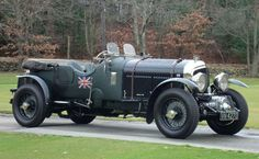 '30 Bentley 5 liter supercharged. Having seen one of these in person, I have to admit they are cool cars.