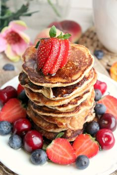 The best vegan & gluten free pancakes you'll ever try!