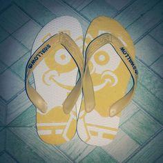 Sandal jepit ukir