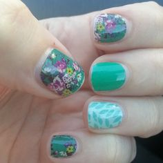 2 week old wraps #jamberry #jamberrynails #nailart #nails #jamicure #imperialjn #emeraldjn #lotusjn