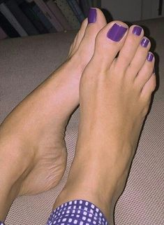 Female Feet & Toes will post a few other perverted stuff Pretty Toe Nails, Pretty Toes, Feet Soles, Women's Feet, Lovely Legs, Beautiful Gorgeous, French Manicure Toes, Purple Toes, Nice Toes
