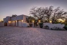 Scottsdale Horse Property for sale in Scottsdale Arizona.  $1,290,000, 5 Beds, 5 Baths, 4,756 Sqr Feet  http://mikebruen.searchforhomesinarizona.com/property/22-5640492-12425-E-Gold-Dust-Avenue-Scottsdale-AZ-85259