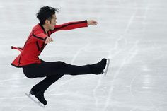Daisuke Takahashi Photos Photos - Daisuke Takahashi of Japan competes in the Men's Short Program during day one of the ISU Grand Prix of Figure Skating NHK Trophy at Sekisui Heim Super Arena on November 23, 2012 in Rifu, Japan. - ISU Grand Prix of Figure Skating NHK Trophy - Day 1