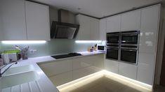 u-form küche schwarzer Granit und weißer Lack | Küche | Pinterest ... | {Moderne holzküchen u form 47}