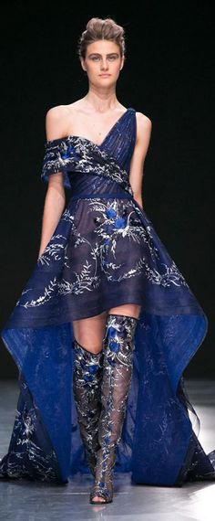 Georges Chakra Couture, Fall 2017 - Every Must-See Dress From Paris Couture Week - Photos Couture Week, Style Couture, Haute Couture Fashion, Georges Chakra, Blue Fashion, Runway Fashion, Fashion Show, Fashion Outfits, Paris Fashion