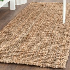 Safavieh S Natural Fiber Collection Is Intricately Handmade With The Softest Jute Available This Contemporary Rug