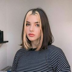 E-girl Hairstyles: Are You Brave Enough to Try TikTok's Latest Hair Trend? - E-girl Hairstyles: Are You Brave Enough to Try TikTok's Latest Hair Trend? Dye My Hair, Your Hair, Hair Color Streaks, Hair Streaks Blonde, Two Color Hair, Balayage Hair, Hair Color Ideas, Color Blue, Hair Colours
