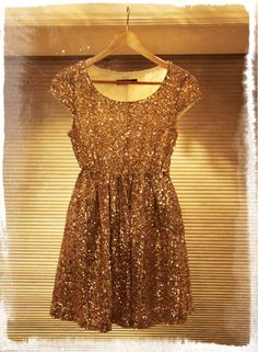 FashionCoolture - Romwe golden sequins dress vestido de paêtes dourado