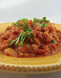 Who needs fast food when you can quickly make this easy spicy sausage and tomato sauce, leave it to simmer while you shake off your day, and then serve over pasta, revitalizing yourself to enjoy the evening? Spicy Sausage, Tomato Sauce, Pasta Recipes, Spaghetti, Urban Cottage, Window, Beef, Dressings, Ethnic Recipes