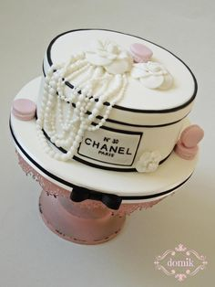 Chanel cake - Cake by Happy Caking by Domik