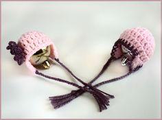 Mamma That Makes: Dainty Earflap Hat Pattern.  Micro preemie