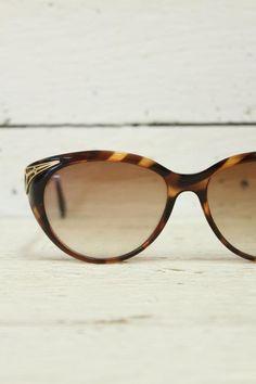vintage sunglasses http://www.sugarsugar.nl/vintage-accessoires-vintage-brillen-c-36_43.html