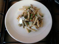 Fusilli piselli champignons e carciofi con sugo al pomodoro Gino D'Aquino