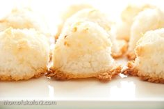 Coconut Macaroon - love these and how great would they be to give away with Christmas presents?