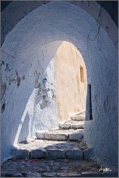 Pyrgos by Javier Vegas Mykonos, Santorini, Beautiful World, Beautiful Places, Places To Travel, Places To Go, Zorba The Greek, Empire Ottoman, Las Vegas