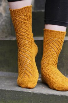 Winding Way Socks by Tin Can Knits - Really does remind me of the winding streets leading up to Edinburgh Castle