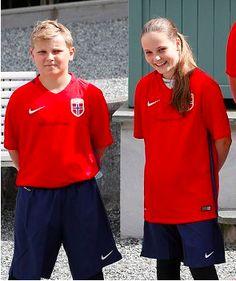 Prince Sverre Magnus et Princesse Ingrid Alexandra, 14 juin 2017, Match de football amical annuel, Stade de Skaugum (Asker, Norvège)