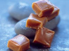 Caramel Mou, Caramel Recipes, Truffles, Biscuits, Candy, Cookies, Chocolate, Fruit, Caramels