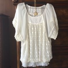 Mystree S Beautiful sheer chiffon and lace top A beautiful chiffon & lace flowing top by mystree ,  would easily fit a medium as well! Top is sheer and I would wear a cute Cami underneath with jeans and heels perfect condition no rips tears holes or snags Mystree Tops