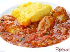 Ostropel de pui – o mâncare românească autentică care nu are corespondent în străinătate şi asupra originii căreia nu există divergenţe cum întâlnim în cazul sarmalelor sau mititeilor, de exemplu. O mâncare foarte gustoasă, uşor de preparat şi cu mare trecere la gurmanzi, neîntâlnind pe nimeni care să refuze o porţie de ostropel. Easy Cooking, Cooking Recipes, Romania Food, Good Food, Yummy Food, Diy Food, Food Dishes, Food To Make, Chicken Recipes