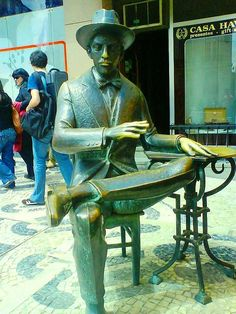 Fernando Pessoa, um dos maiores poetas de lingua portuguêsa - Fernando Pessoa, one of the greatest poets of the Portuguese language | Flickr – Compartilhamento de fotos!