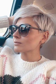 Edgy Short Hair, Short Hair Trends, Short Hair Cuts For Women, Short Hairstyles For Women, Pretty Hairstyles, Short Cropped Hairstyles, Undercut Short Hair, Short Hair Glasses, Edgy Pixie Hairstyles