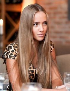 beautiful natural hair color. love the length
