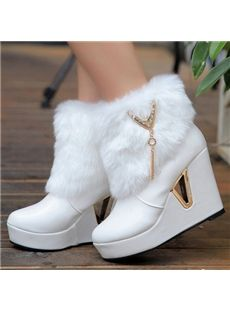 Online Shop 2014 women's winter snow boots fur boots round toe high heels we… Fancy Shoes, Pretty Shoes, Wedge Heel Boots, Heeled Boots, Fashion Heels, Sneakers Fashion, Latex Fashion, Kawaii Shoes, Winter Fashion Boots