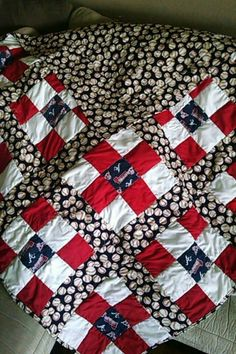 Atlanta Braves 9square quilt with solid  baseball back.