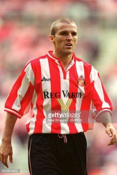 Sunderland's Alex Rae Sunderland Football, Sunderland Afc, Der Club, Coventry City, Rangers Fc, Retro Football, North East England, Football Photos, Home Team