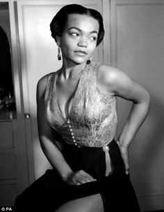 Google Image Result for http://theredlist.fr/media/database/muses/icon/iconic_women/iconic_women/eartha-kitt/054-eartha-kitt-theredlist.jpg