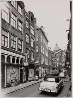 1954. Zeedijk, Amsterdam. #amsterdam #1954