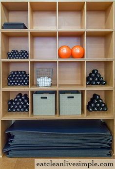 Where yoga meets pilates healthy exercise fitness workout life Workout Room Home, Gym Room At Home, Workout Rooms, Yoga Room Design, Yoga Studio Design, Pilates Workout, Pilates Mat, Joseph Pilates, Pilates Reformer