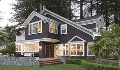 Modern Black House Exterior Design Ideas For Your Inspiration 49 Best Exterior Paint, Design Exterior, Exterior Paint Colors For House, Paint Colors For Home, Exterior Colors, Siding Colors, Paint Colours, Dark Colors, Exterior Tradicional