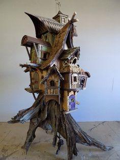 fairy house on a stump Fairy House Crafts, Fairy Tree Houses, Fairy Village, Fairy Garden Houses, Garden Crafts, Miniature Houses, Miniature Fairy Gardens, Fairytale House, Gnome House