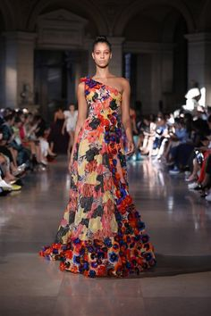 Multicolored One-Shoulder Dress Embroidered With Tulle Layers, Silk Threads And Feathery Flowers Chef D Oeuvre, Feminine Dress, Couture Collection, Couture Dresses, Beautiful Gowns, Fashion Show, Fashion 2020, Paris Fashion, Fashion Fashion