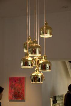 copas de plastico alrebes y pintadas en dorado